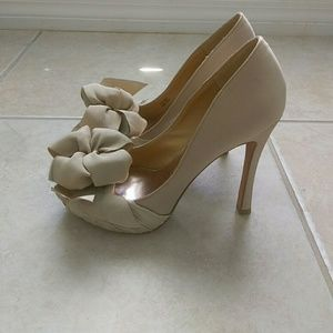 Women's Badgley Mischka heels size 7.5